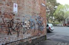 Melbourne, Grasp , oil and spray paint on plaster, 46cm x 59,5cm x 1,2cm . outdoor installation, Melbourne
